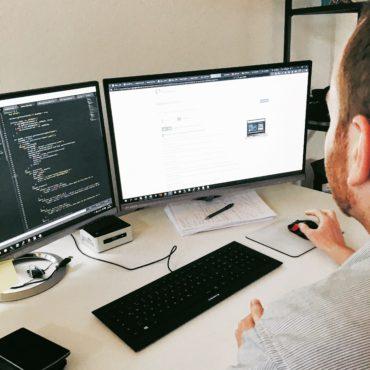 Herr Zieschang präsentiert einen perfekten 100 von 100 Wert bei Google Pagespeed Insights für unsere Landingpage.